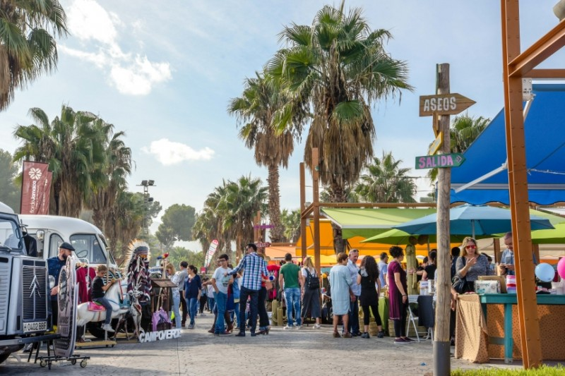 Open every Sunday: Shopping, Entertainment and Gastronomy at Rin Ran Market in El Palmar