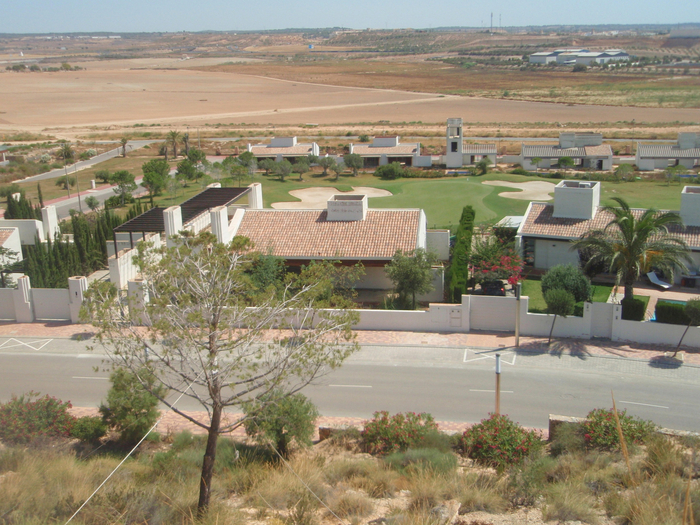 Where is La Peraleja Golf Resort?