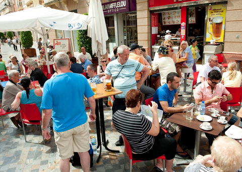 <span style='color:#780948'>ARCHIVED</span> - Foreign tourists have spent 334 million in Murcia this year