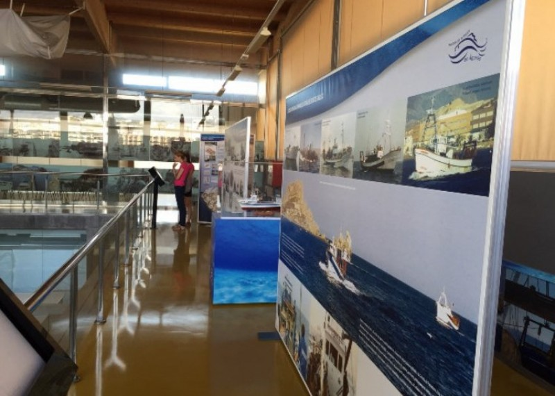 An exhibition, a walk along the jetty and auctions at the fishing port of Águilas