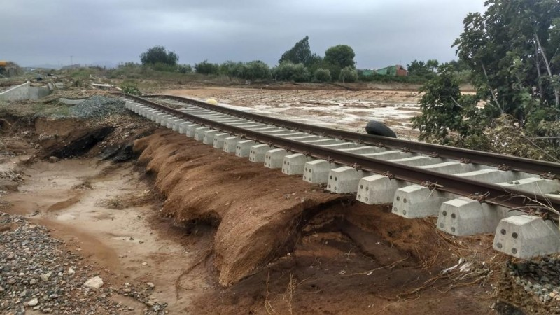 <span style='color:#780948'>ARCHIVED</span> - Murcia-Alicante rail services resume almost a month after the gota fría flooding