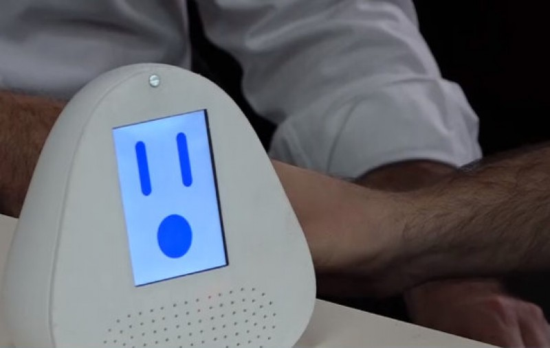 <span style='color:#780948'>ARCHIVED</span> - Cartagena UPCT student develops interactive robot to keep elderly people company