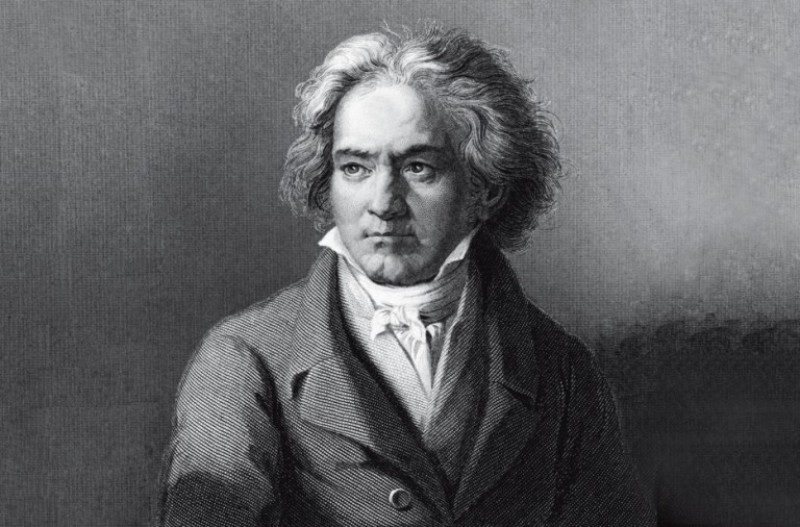 October 2019 to June 2020, Top value cycle of Beethoven's 32 piano sonatas at the Auditorio Víctor Villegas in Murcia