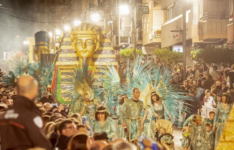 <span style='color:#780948'>ARCHIVED</span> - Online booking for seats at the main 2020 Carnival parades in Águilas