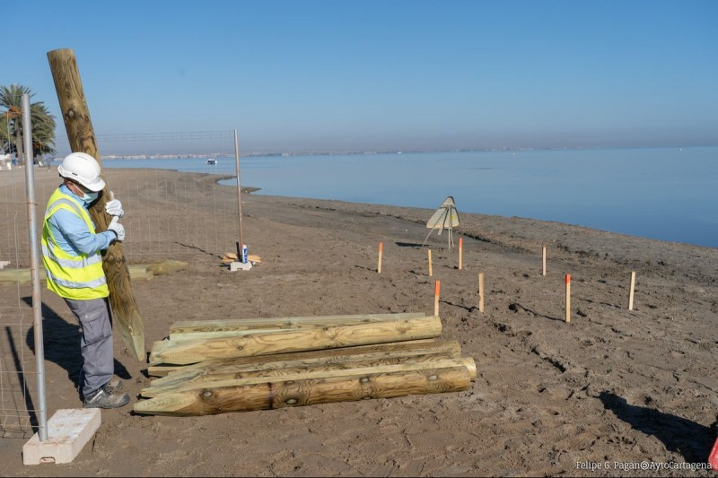 <span style='color:#780948'>ARCHIVED</span> - Work begins on bathing platforms for Los Urrutias, Punta Brava and Estrella de Mar