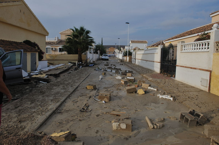 <span style='color:#780948'>ARCHIVED</span> - Why did heavy rains cause so much damage on Camposol D