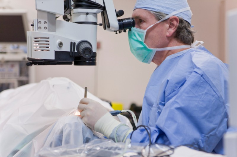 <span style='color:#780948'>ARCHIVED</span> - Surgery waiting times drop by 6 per cent in Murcia…